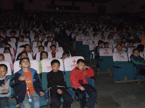 《网络妈妈》突破500万票房学生群体受欢迎