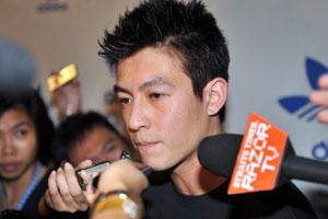 陈冠希凌晨抵达狮城与媒体玩捉迷藏18小时(图)