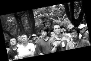 《地震》冯小刚出慢工一天只拍一场戏(图)