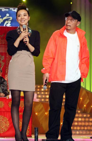 《三枪拍案惊奇》登陆上海闫妮时尚蜕变引关注