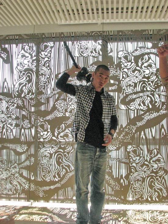 《杜拉拉》主题曲MV首播黄立行当摄影师玩自拍