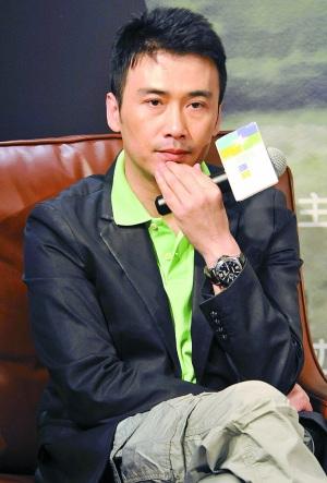 柳云龙来深宣传《东风雨》:当演员一定要自恋