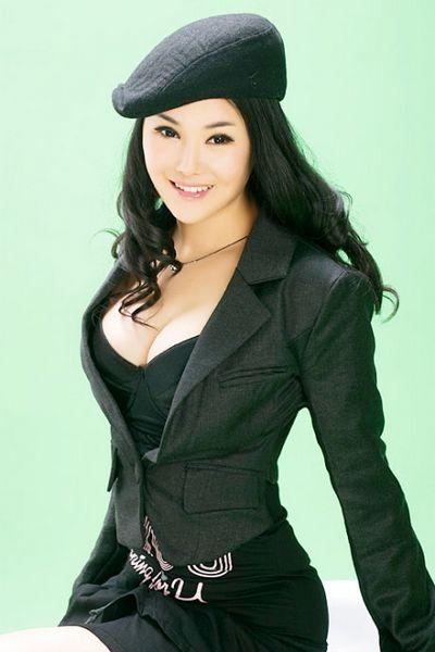 影视演员杨欣_昨天(5月24日),一位消息人士透露,凭借电影《手机》而窜红的女星杨欣