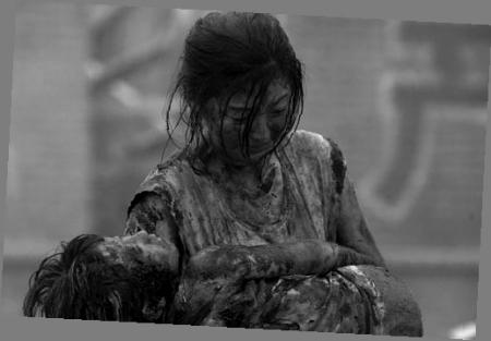 冯小刚《唐山大地震》试映观众哭疼了五脏六腑