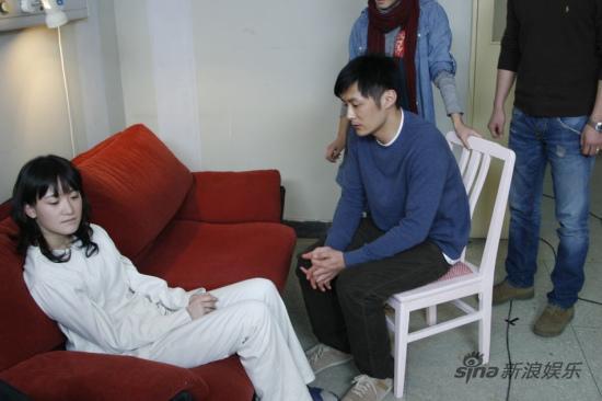 《荒村公寓》热映秦子涵挑战惊悚受关注(图)