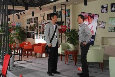 《爱情维修站》将映张丹峰演亲热戏向太太报备