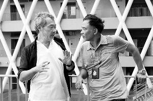 和任达华演对手戏的田壮壮(左)之前也曾在《大宅门》等几部影视剧客串过。
