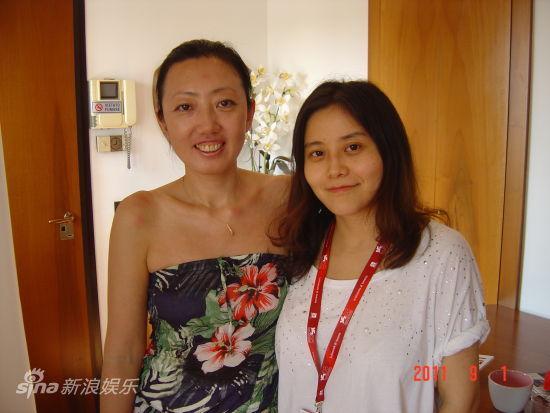 刘捷(左)