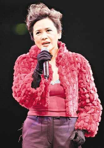 爵士范女歌手叶德娴