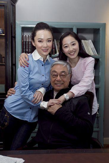 曾江、蒋梦婕、霍思燕亲密合照