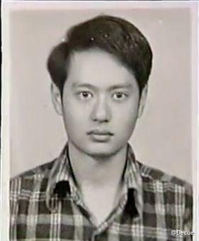 网友热转的李安年轻时照片