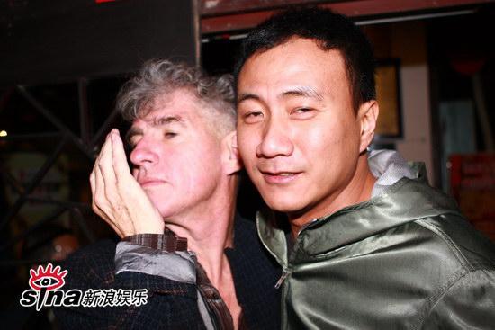 图文:刘嘉玲和友人用餐-杜可风胡军露醉意