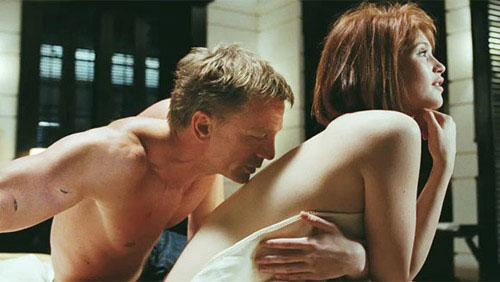 007 - Scene hot amici di letto ...