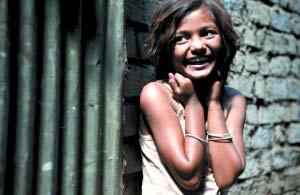 《贫民富翁》赢奥斯卡印度小童星仍难逃贫民窟