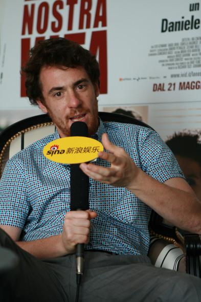 戛纳影帝吉马诺专访:我想超越角色本身(图)