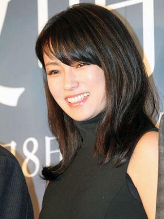 深田恭子出席电影《拂晓之街》的完成报告见面会