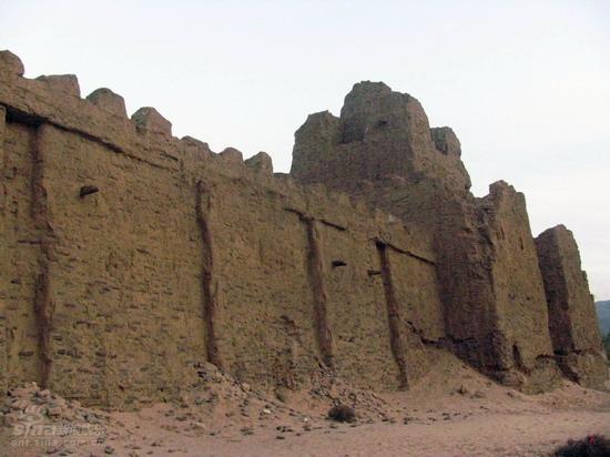 图文:《木乃伊3》河北片场--剧组搭建的古城墙