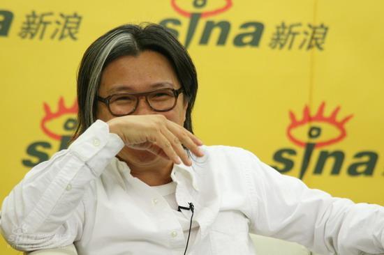 图文:《投名状》主创新浪庆功--陈可辛掩面偷乐