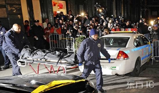 图文:希斯-莱杰身亡--大批记者赶到现场