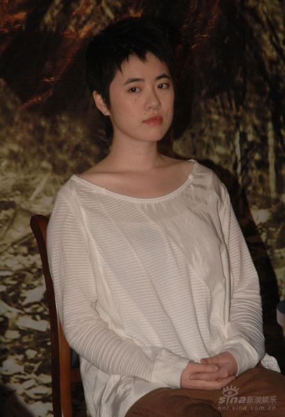 图文:《张纯如》首映--主题曲演唱者岑宁儿