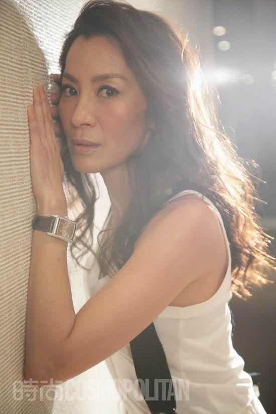 图文:《时尚COSMO》专访杨紫琼--性感娇媚