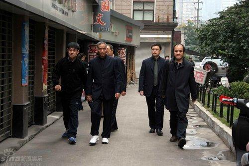 图文:谢晋追悼会--谢导生前领居赶来上海