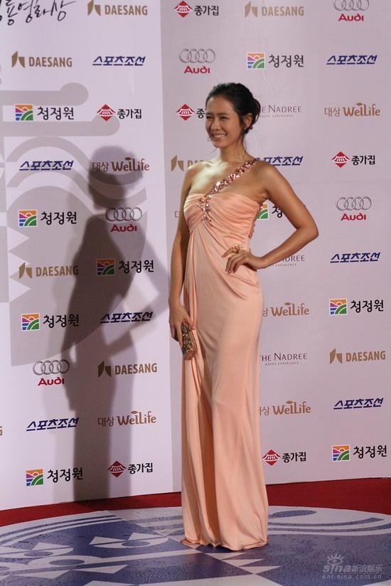 韩国青龙电影奖红毯现场电影左右未删减版百度图片搜索图片