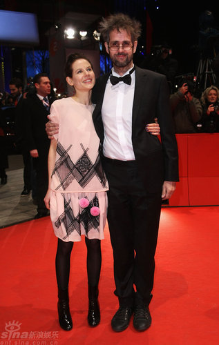 图文:柏林电影节闭幕--评审团成员红毯亮相