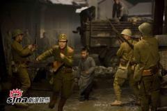 《拉贝》张静初现日军装造型枪战戏很真实(图)