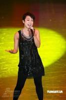 组图:张学友林忆莲现场放歌歌声动情载歌载舞