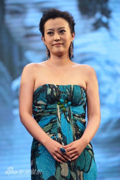 图文:《白银帝国》首映--主演郝蕾