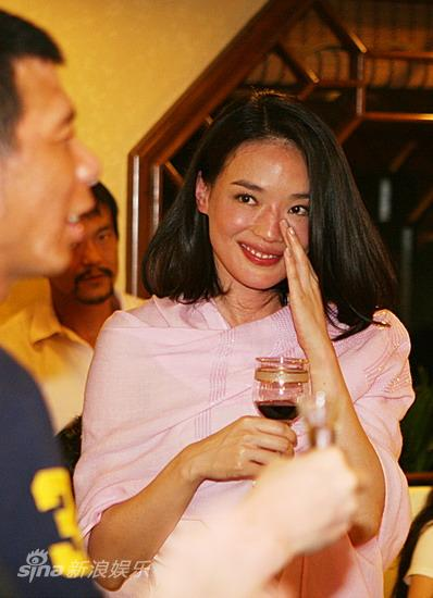 图文:华表奖庆功宴-冯小刚和舒淇