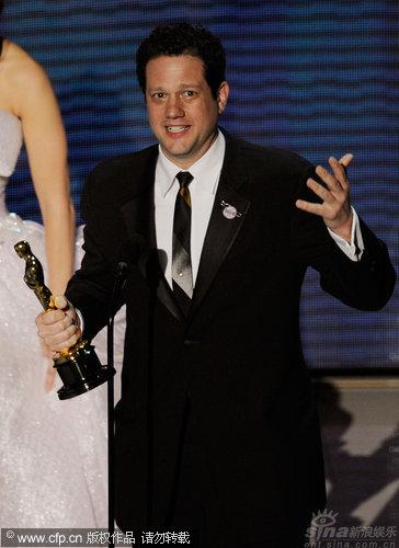 图文:第82届奥斯卡颁奖现场-《飞屋》获最佳原创电影音乐奖
