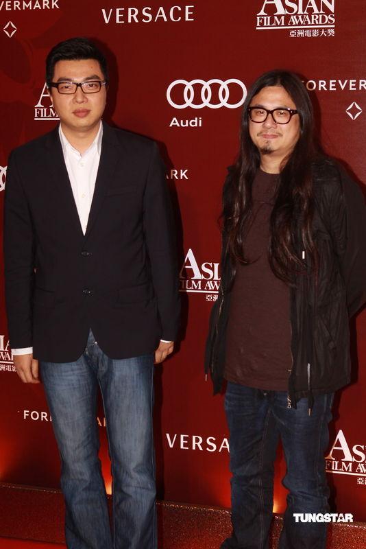 图文:亚洲电影大奖-《全城热恋》两导演