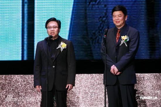 图文:亚洲电影大奖-电影局局长童刚(右)