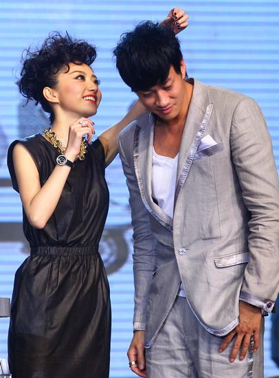 图文:《美女老板》首映礼-两主演默契