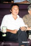 组图:冯小刚徐帆夫妻档访台为《大地震》造势