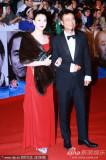 袁咏仪(左)