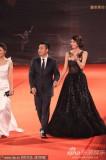 组图:林志玲现身红毯黑裙妩媚微笑挥手