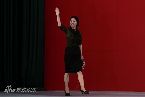林青霞登台