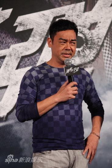 刘青云搞怪