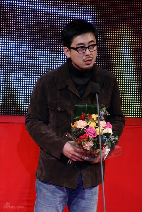 图文:韩国MAX电影颁奖礼--郑兵吉领独立电影奖