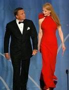 第79届奥斯卡金像奖-新科007和妮可一同颁奖