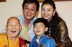 组图:名嘴朱军八岁儿子近照曝光 长相酷似父亲
