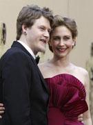 女星法梅加与丈夫共同亮相