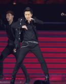 韩庚献唱劲歌热舞