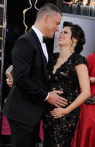 钱宁-塔图姆热吻怀孕娇妻