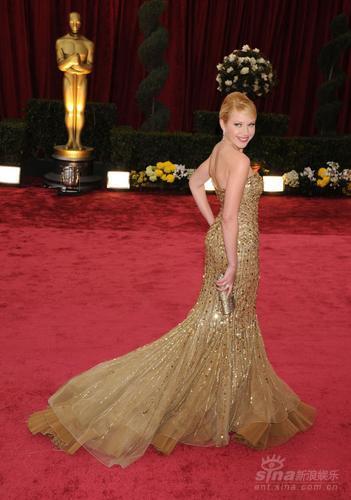 时尚点评:美人鱼红毯出位迪亚兹身材走形(图)
