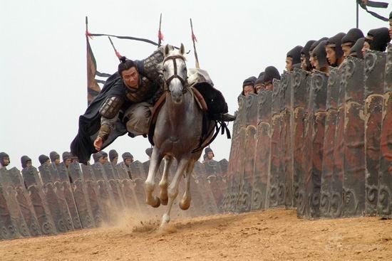 《赤壁》,胡军的演武场