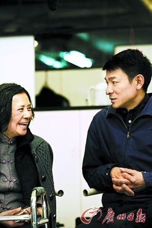 广州日报:《桃姐》充满日子和人情味